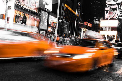 Gele taxi in New York Time Square van Celina Dorrestein