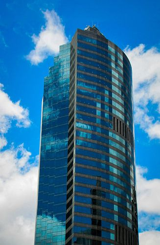 Wolken weerspiegeling in een wolkenkrabber, Brisbane