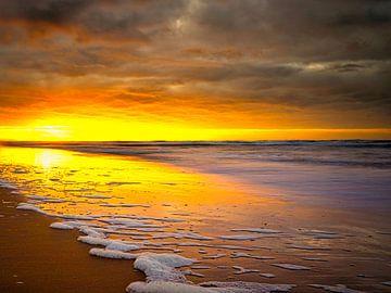 Zonsondergang Katwijk aan Zee van Wim van Beelen