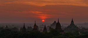 Nyaung-U Township: Zonsopkomst in Old Bagan