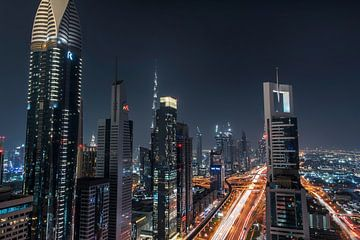 Dubai Skyine depuis un bar sur le toit sur Bas Fransen