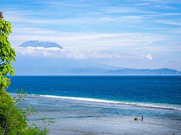Angeln für den Vulkan von Bali Indonesien von Rik Pijnenburg