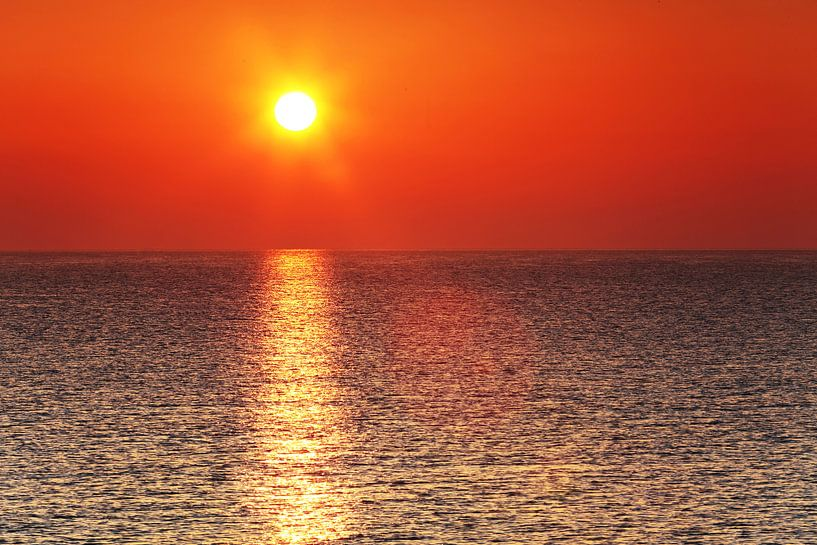 Sonnenuntergang am Meer von Frank Herrmann