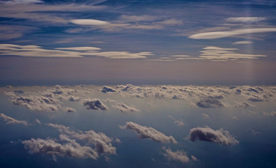 wolken boven de noordzee van Jan Klomp