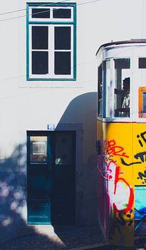 Du Tram 28 À Lisbonne sur Martijn van den Enk