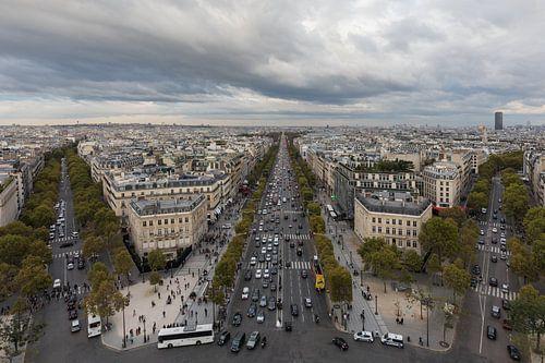 De Champs Elysées vanaf de Arc de Triomphe in Parijs van MS Fotografie