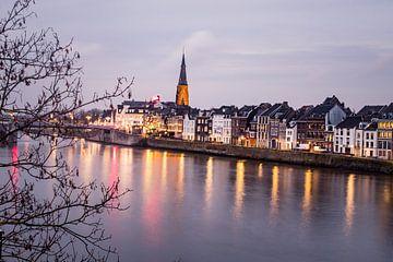 Maastricht bij schemering van Floor Schreurs