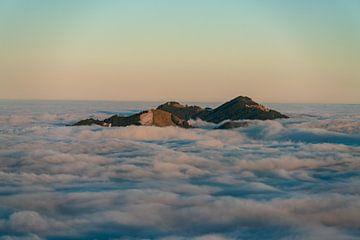 Alpspitz, Edelsberg und Reutter Wanne bei Inversionswetter von Leo Schindzielorz