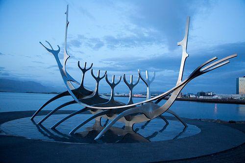 Solfar (Sun Voyager) in Reykjavik van Menno Schaefer