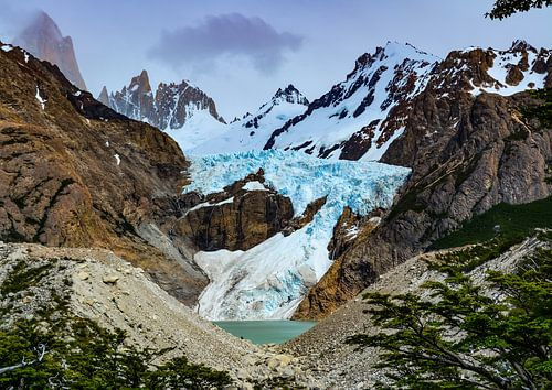 Berglandschaft am Gletscher Piedras Blancas im Los Glaciares Nationalpark in Argentinien von