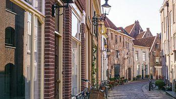 Een van de meest bekende straten in het bergkwartier in de stad Deventer van Visiting The Dutch Countryside