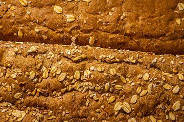 Vers gebakken zadenbrood uit de oven. van Jan van Dasler