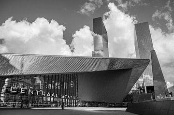 Rotterdam Central Station in schwarz und weiß von Dirk Jan Kralt