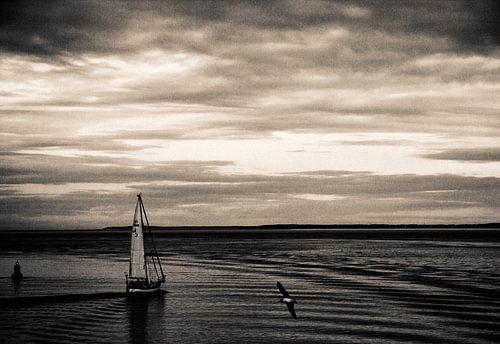 Zeilschip op de waddenzee van