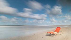 Verlaten strandbed. van Jacqueline de Groot