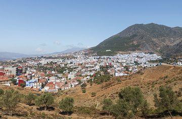 Uitzicht op  stad Chefchaouen Marokko van Marcel Kerdijk