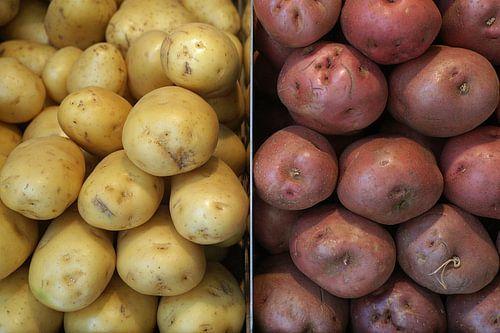 Twee soorten aardappelen, naast elkaar opgestapeld.