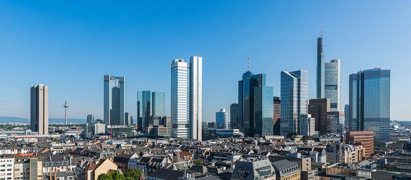 De skyline van Frankfurt in Duitsland van MS Fotografie | Marc van der Stelt