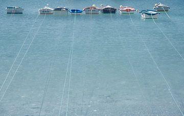 Siësta in Spaanse vissershaven van Jeroen Kleverwal