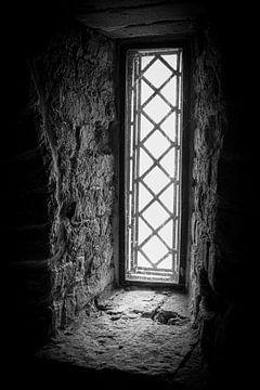 Fenster der Vergangenheit | Schwarz-Weiß-Foto von Diana van Neck Photography