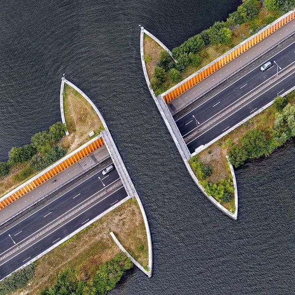 Aquaduct N302 bij Harderwijk van Roel Ovinge