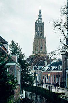 Onze Lieve Vrouwetoren  in Amersfoort van Lars van 't Hoog