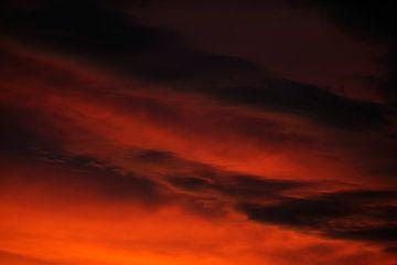 Dramatische lucht na zonsondergang, foto 2 sur Merijn van der Vliet
