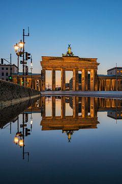 Brandenburger Tor gespiegelt von Robin Oelschlegel