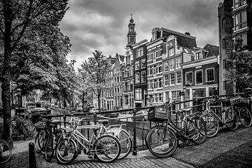 AMSTERDAM Flower Canal black & white sur Melanie Viola