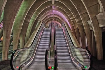 Roltrappen , Station Luik-Guillemins  van Jo Miseré