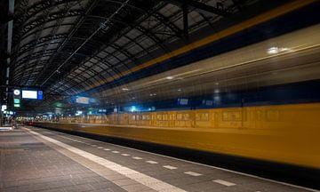 Centraal Station Amsterdam van Frans Nijland