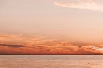 Sonnenuntergang bei Scheveningen von Leanne Remmerswaal