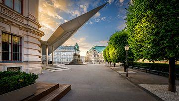 Albertina Museum in Wenen met het monument van Aartshertog  Albrecht van Rene Siebring