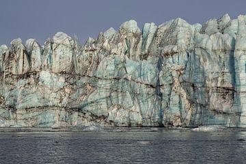 Enorme berg ijs van een Gletsjer in IJsland van Paul Weekers Fotografie