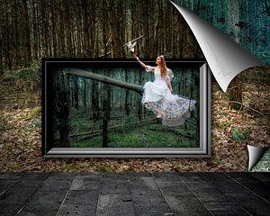 Fee in bos die druif laat vliegen afgebeeld op fotobehang