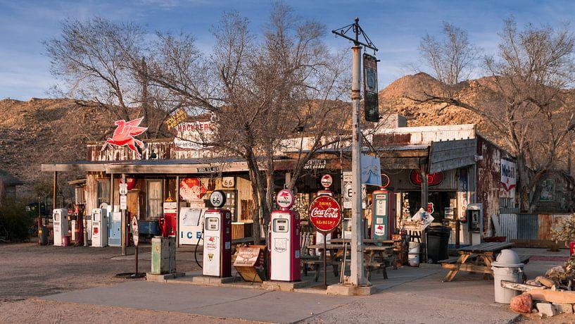 Tankstelle an der Route 66 in Arizona van Kurt Krause