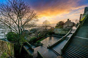 Zonsopkomst bij de trappen van de Mont Saint Michel van Rene Siebring