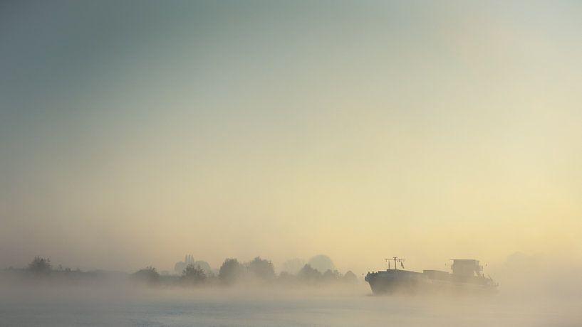 Schip in de mist van Lex Schulte