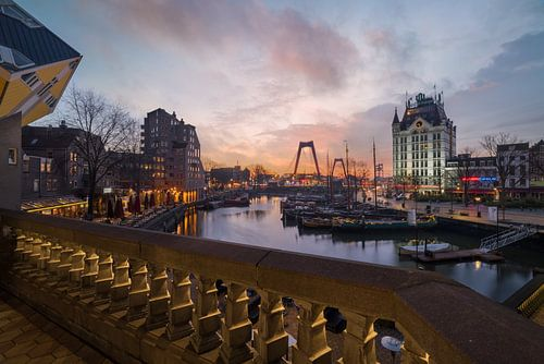 Willemsbrug met zonsondergang