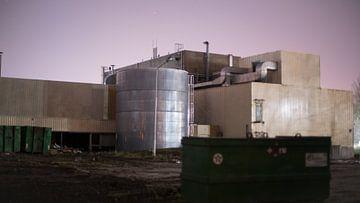 Mysterieus verlaten fabriek van