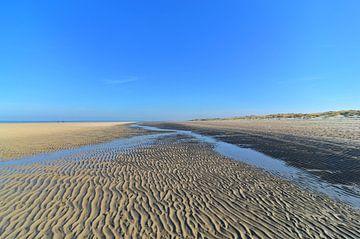 Laagwater op het Zeeuwse strand van
