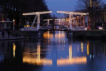 Abel Tasmanbrug en Jan Pieterszoon Coenbrug over Leidse Rijn in Utrecht van Donker Utrecht