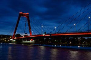 Willemsbrug in Rotterdam von Michelle Van Den Berg