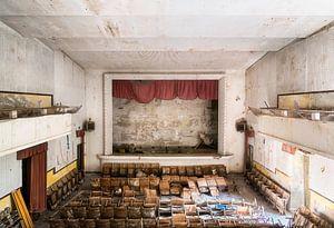 Verlaten Theater in Verval. van Roman Robroek