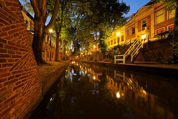 Nieuwegracht in Utrecht tussen de Quintijnsbrug en de Brigittenbrug von Donker Utrecht