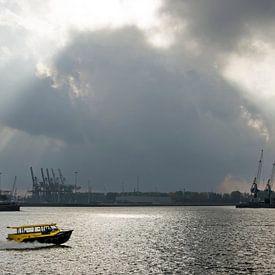 Spectaculaire lucht boven de Nieuwe Maas van Frans Blok