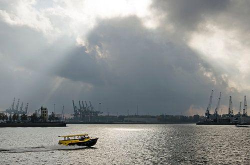 Spectaculaire lucht boven de Nieuwe Maas