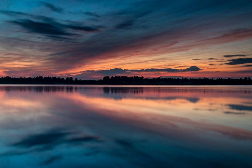 Painted Sky Reflections van William Mevissen