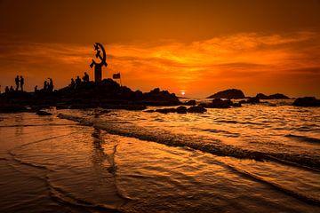Communistische Symboliek, Muzhappilangad Beach, Thalassery - India van Rik Plompen