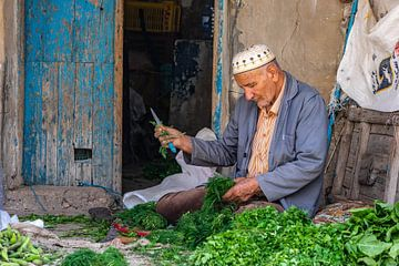 Man op markt in Tunesië van Jessica Lokker